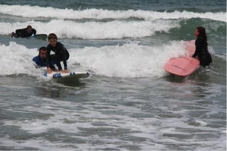 Детский лагерь - обучение серфингу