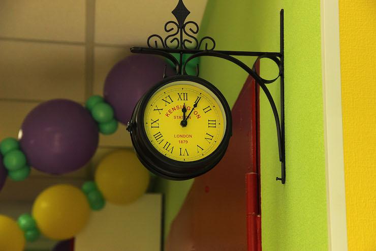 Английские часы в детском саду ЮМИ