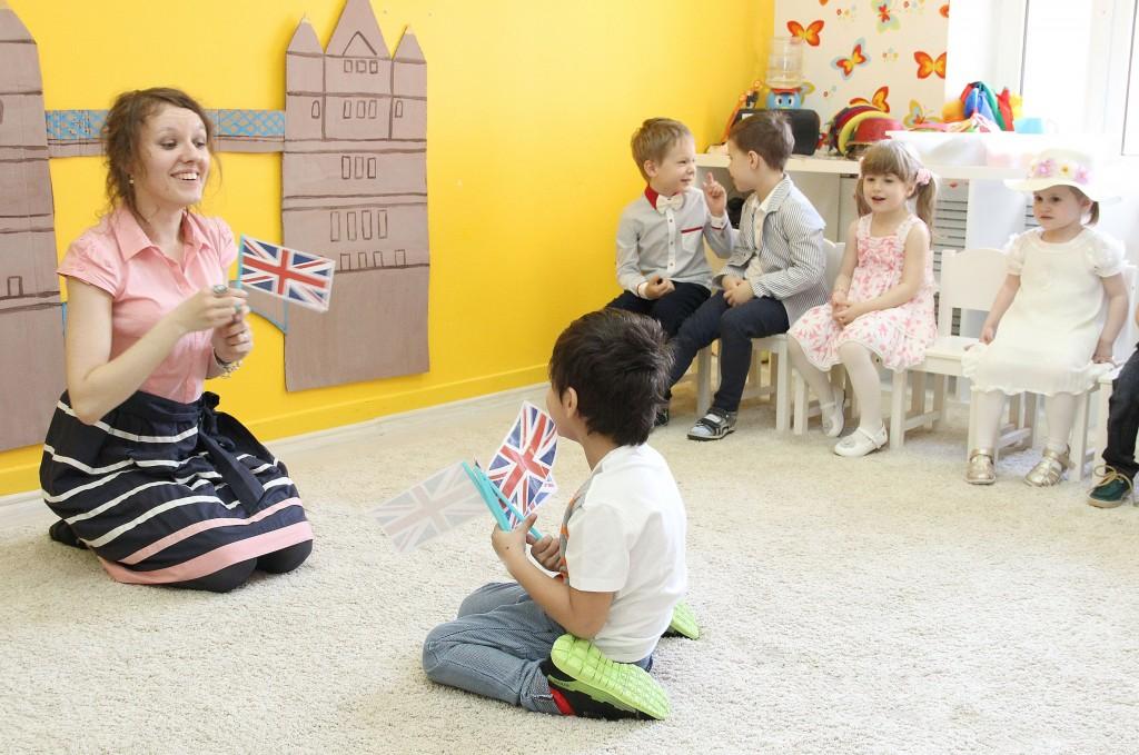 Детский сад ЮМИ - занятие по английскому языку