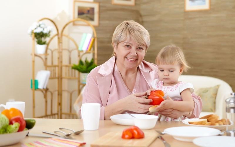 Как подобрать няню для своего ребёнка