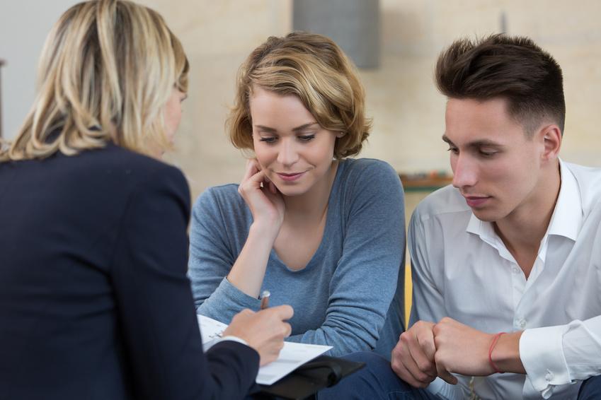 Составляем договор по присмотру и уходу за детьми: что учесть