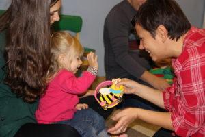 Музыкальное занятие Анны Новик с детьми