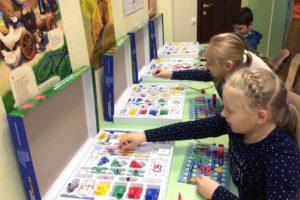 подготовительный курс робототехники - занятие детей