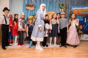 Новогодний сценарий для детского центра