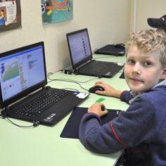 Обучение детей программированию в детском клубе